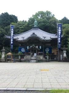 64番札所前神寺の大師堂