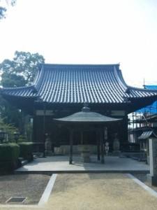 70番札所本山寺の大師堂