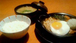 鍋焼き風バーグ+ご飯・豚汁