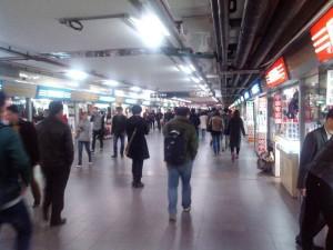 上海駅の地下通路街