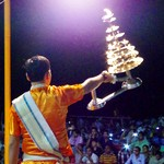 バラナシの祈りの儀式プジャー