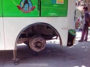 TATA社製バスのサスペーション