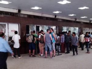 ジャイプルの外国人専用チケット売場の行列