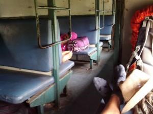ガラガラの列車内