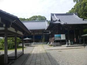 33番札所雪蹊寺の本堂と大師堂