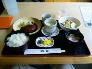 レストラン鶴亀のハンバーグ定食