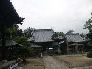 48番札所西林寺の境内