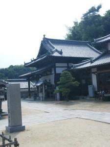 56番札所泰山寺の本堂