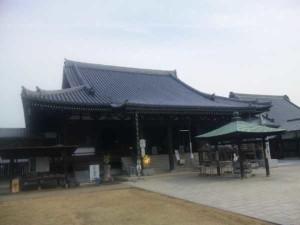 76番札所金倉寺の本堂