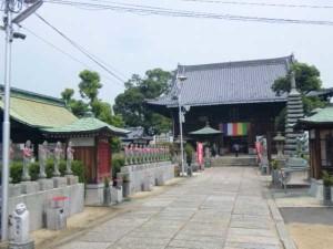 77番札所道隆寺の本堂