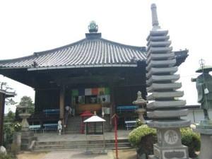 77番札所道隆寺の大師堂
