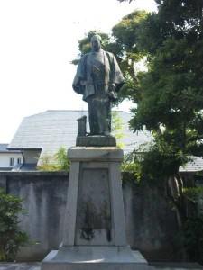 平賀源内の銅像