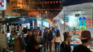 香港の廟街夜市