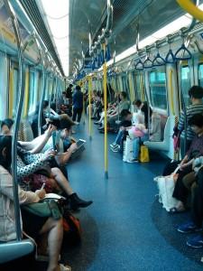 香港の地下鉄の風景