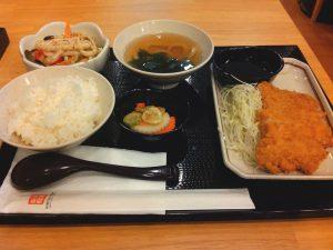 丸亀製麺のトンカツ定食