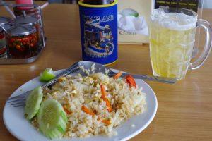 シーフード炒飯とビール