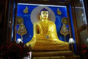 マハーボディー寺院の黄金の仏像