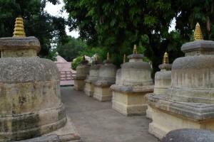 マハーボディー寺院のストゥーバ群