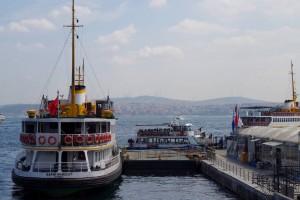 ポスポラス海峡のクルーズ船